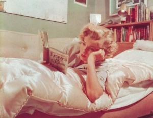 marilyn-reads-whitman